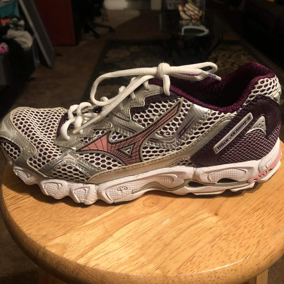 mens mizuno running shoes size 9.5 europe homme one foot